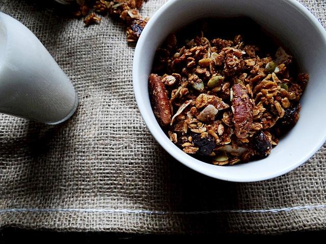 cherry pecan maple granola from http://sundaymorningbananapancakes ...