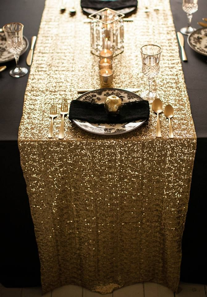 Gold  and thème:  à gold Sequin  table  Black black  runners black gold and Runner! with Soirée