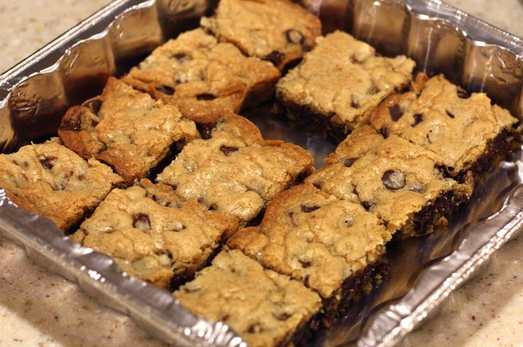 Easy Chocolate Chip Cookie Bars   Desserts   Pinterest