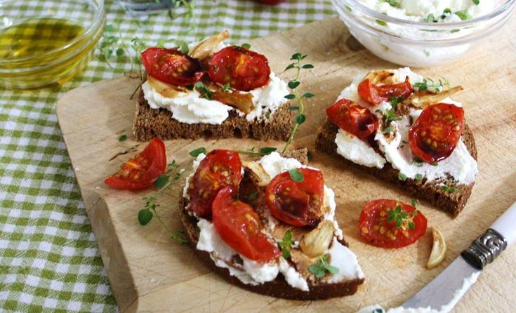 Slow-Roasted Cherry Tomatoes and Garlic with Herbed Ricotta & Balsamic ...