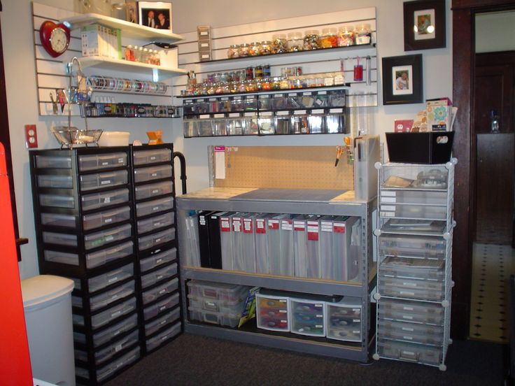 Lots of storage in this small space craft room - Scrapbooking storage ideas for small spaces plan ...