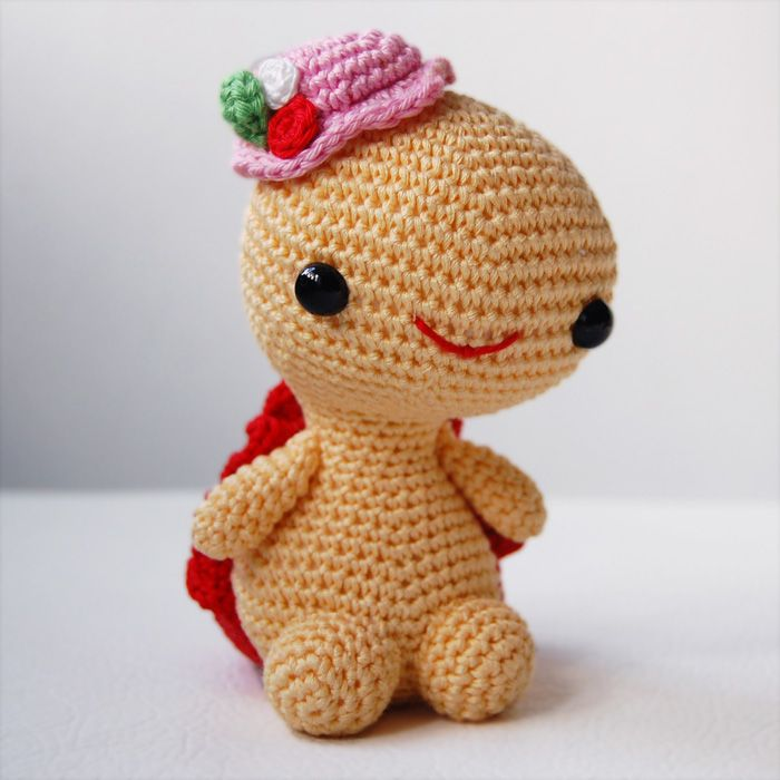 Crochet Patterns Turtle : Amigurumi Pattern - Miss Turtle