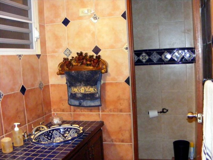 Bath tiles favorite tuscan and mexican spaces and decor for Mexican bathroom ideas