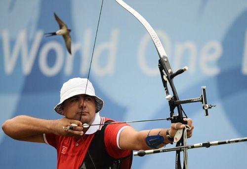 2012 Londra Olimpiyat oyunlarının ilk turunu Ukraynalı ünlü okçu Markiyan İvashko 669 Puanla 24. sırada tamamladı. İlk turu 699 puan ile Güney Kore'li Dong Hyun birinci sırada tamamlarken, 2. v...