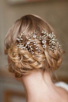 vintage inspired wedding hair