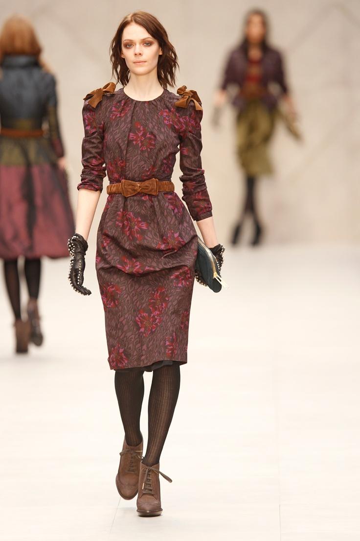 Burberry Prorsum Floral-Print Peplum dress, 212 872 8747