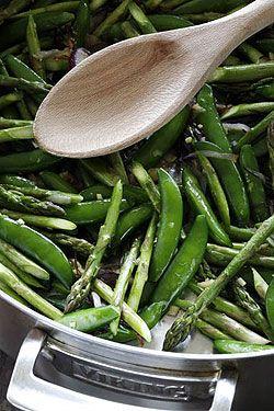 Sautéed Sugar Snap Peas and Asparagus #VikingUSA
