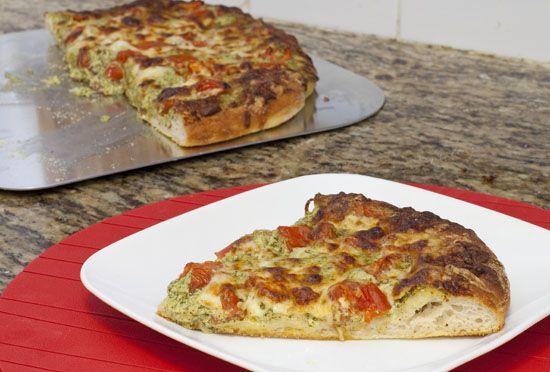 pesto goat cheese pizza | Delicious recipes | Pinterest
