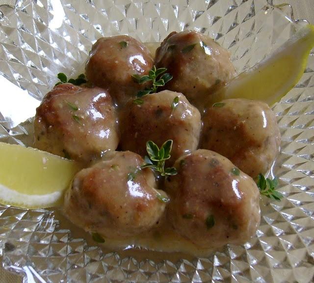 Pork Meatballs with Lemon Thyme Gravy | } Appetizers { | Pinterest