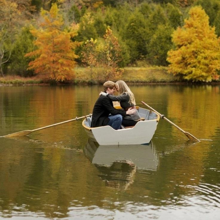 21 Romantic Engagement Photo Ideas