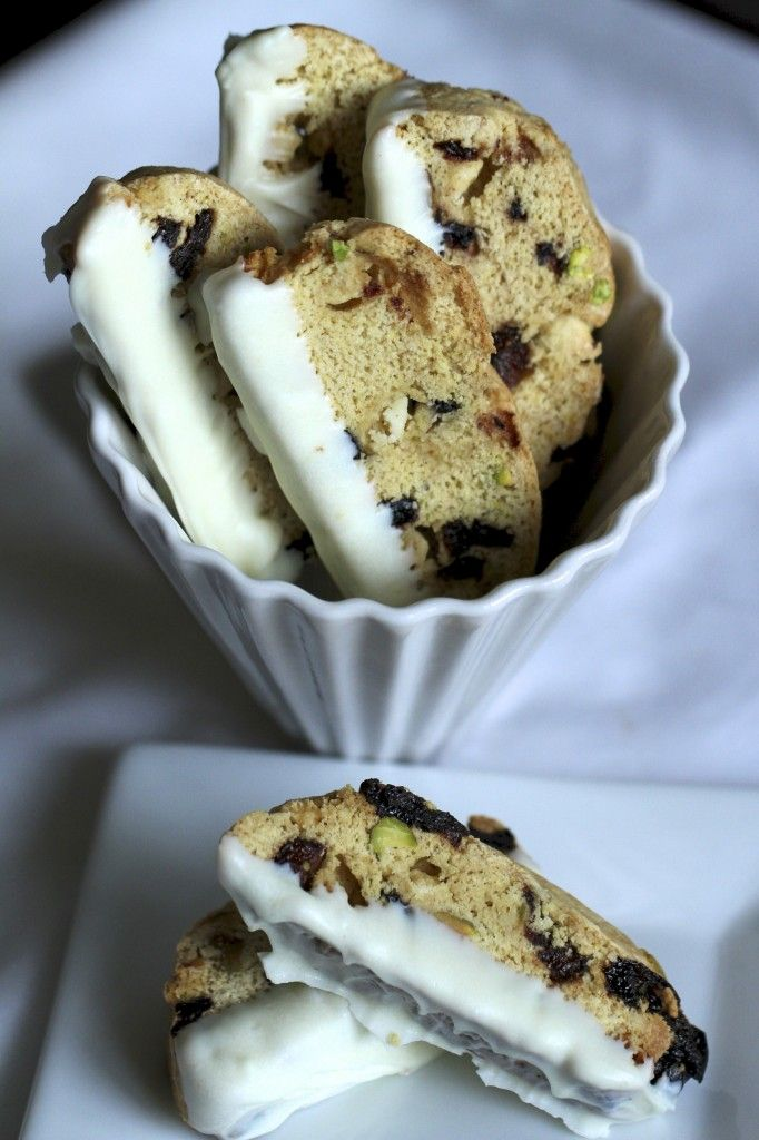 White Chocolate, Pistachio and Dried Berry Biscotti {Satisfy My Sweet ...