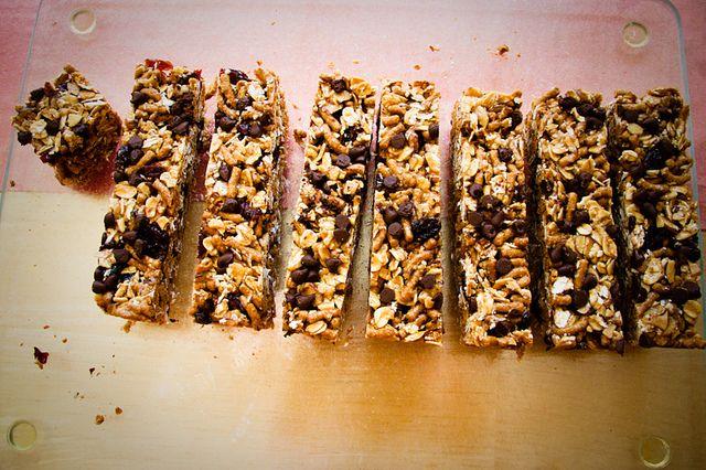 Chewy Trail Mix Granola Bars | Yummmm | Pinterest