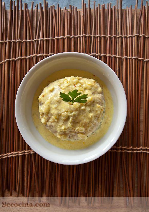 Receta de merluza con salsa de azafrán y cebolleta | Cantabria | Spain