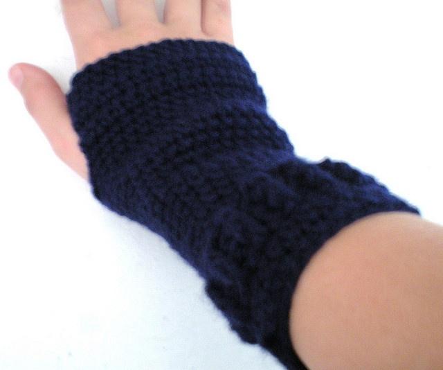 Free Crochet Patterns Hand Warmers : Hand Warmers free ravelry CROCHET FINGERLess GLOVES ...