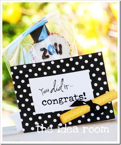 graduation treat pops and printable @Amy Huntley (TheIdeaRoom.net)