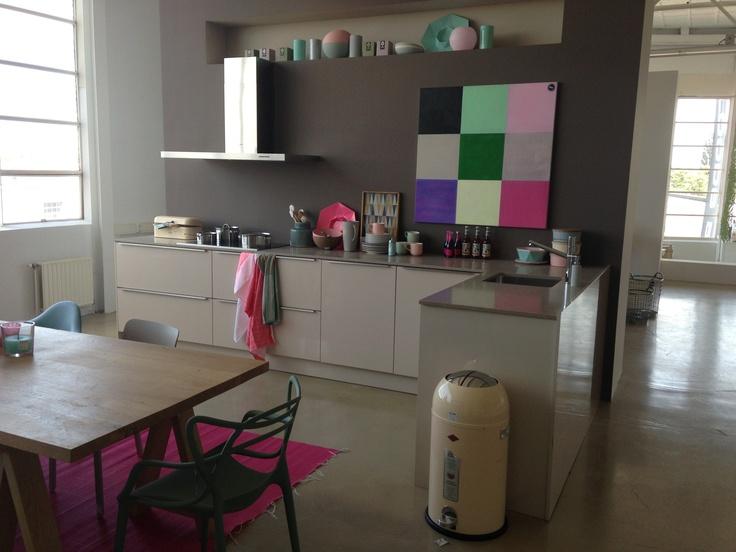 Grijze Keuken Tegels : Grijze Keuken Tegels : Pastel grijZe keuken HIP in keukens & tegels