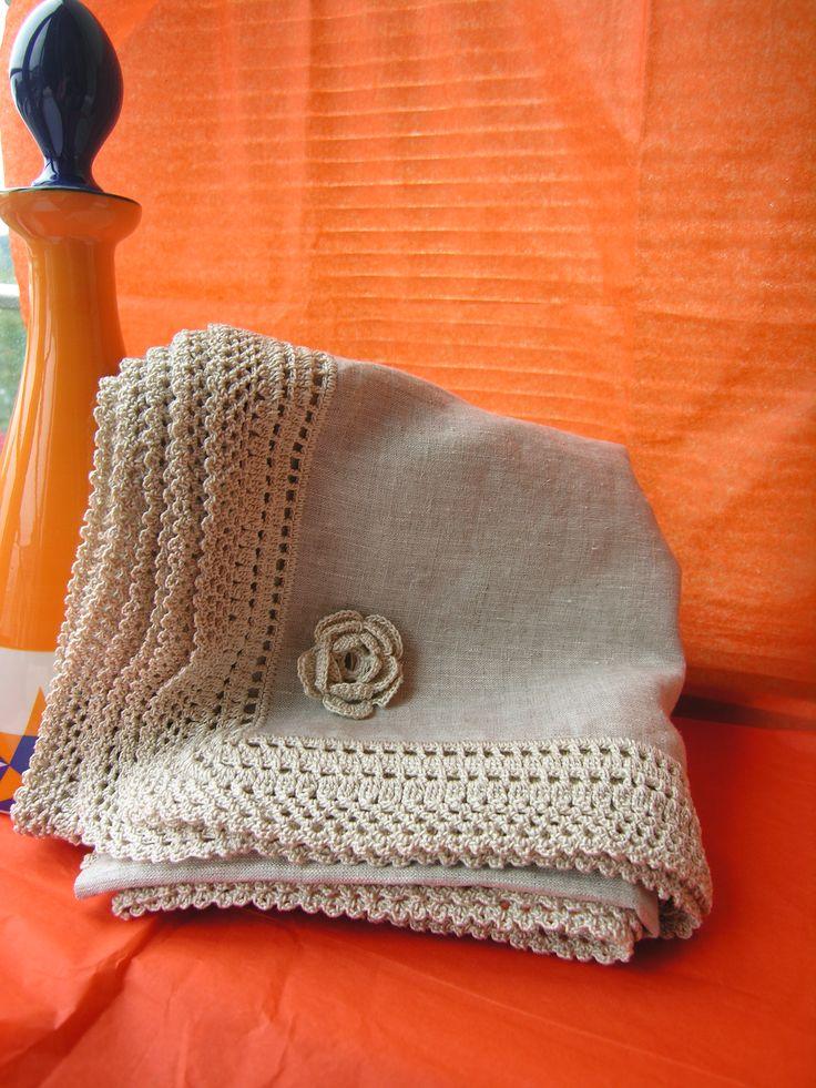 mantel y servilletas de lino y crochet handmade crochet. Black Bedroom Furniture Sets. Home Design Ideas