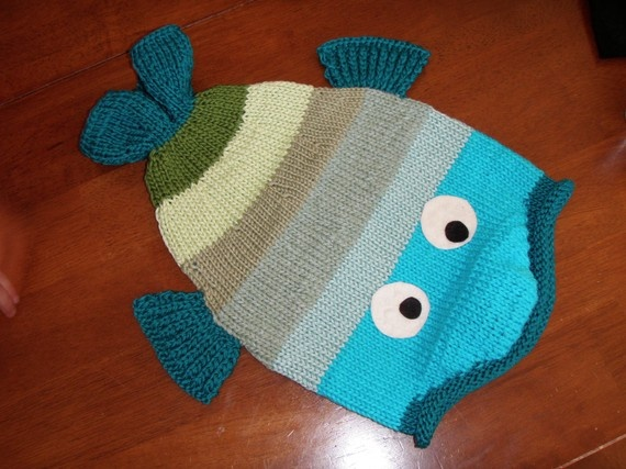Knitting Pattern For Frozen Hat : Knitting Patterns For Anna Amp Elsa Hats From Frozen Party Invitations Ideas