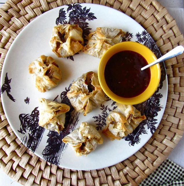 Bacon Cheddar Mushroom Phyllo Bundles - Miss in the Kitchen