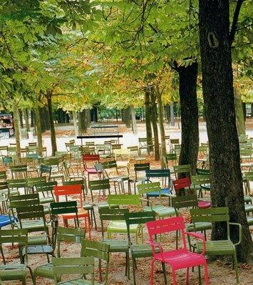 Les chaises du jardin du luxembourg paris is always a - Chaise jardin du luxembourg ...