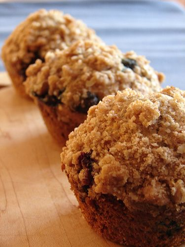blueberry crumb muffins. | Breads / Rolls / Muffins | Pinterest