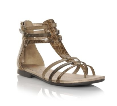 Gladiator sandals are just the way to go. Take them on a road trip or toss them in your bag for an upcoming music festival, because these go-everywhere sandals are the perfect shoes to add a touch of bohemian flair to those cut-off shorts or maxi dress.