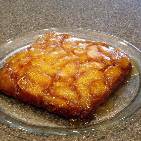 Peach Upside Down Cake | Dea Domestica | Pinterest