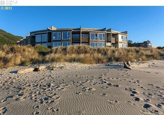 escape to the oregon coast real estate listings