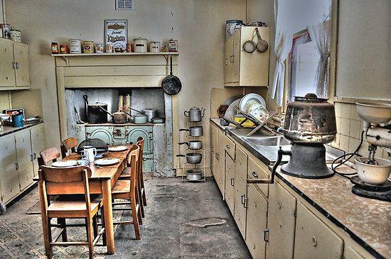 1930 39 s american kitchen historic kitchen ideas pinterest for 1930 s kitchen cabinets
