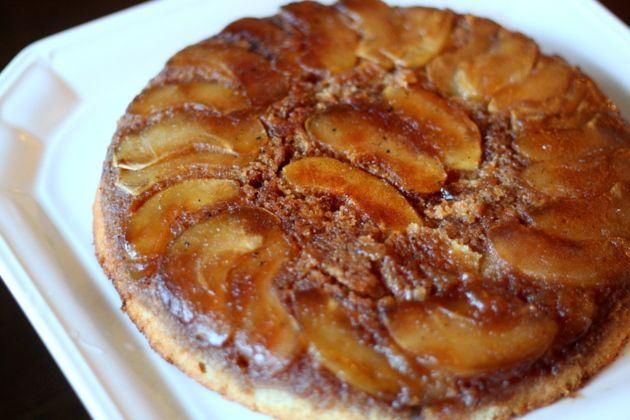 Caramel Apple Upside Down Cake | Nom nom nom... | Pinterest