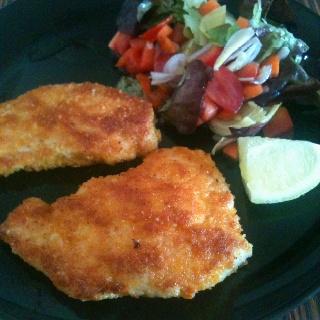 Chicken schnitzel (German chicken steak)   Yummy In My Tummy   Pinter ...