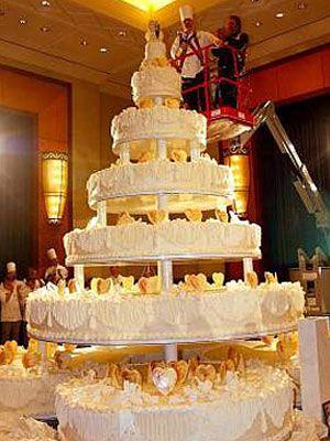 10 over the top wedding cakes. Black Bedroom Furniture Sets. Home Design Ideas