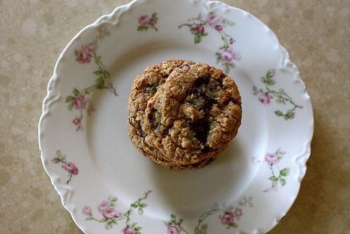 oatmeal pecan chocolate chip cookies | Food/Snacks that make me hungr ...