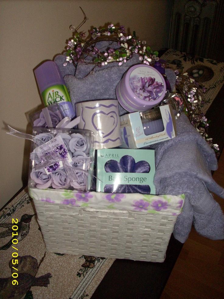 Wedding Shower Gift Basket Themes : Bridal Shower Basket Bathroom Themed DIY Gift Ideas Pinterest