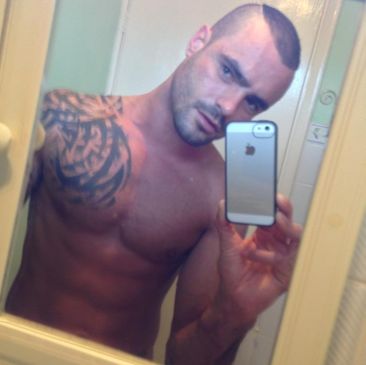 Male beauty and Gay Adult star Isaac Jones