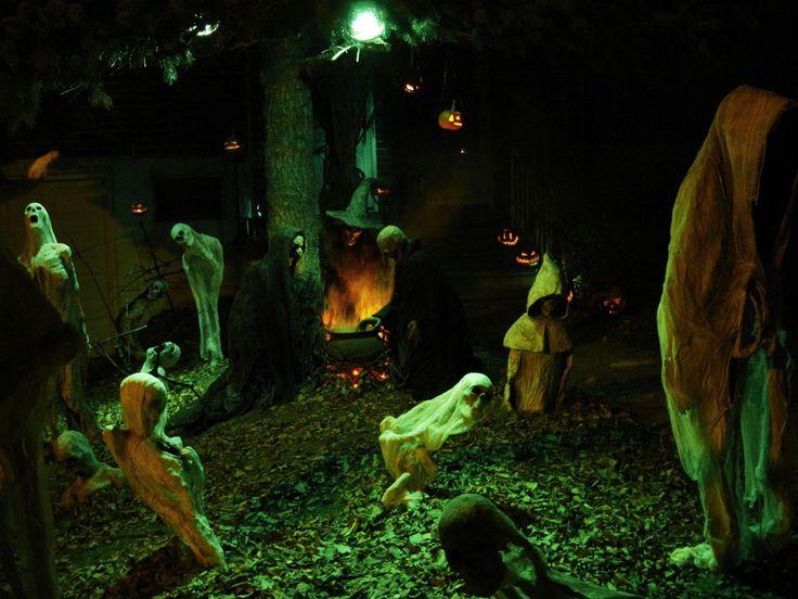 Haunted Backyard Ideas Halloween : yards