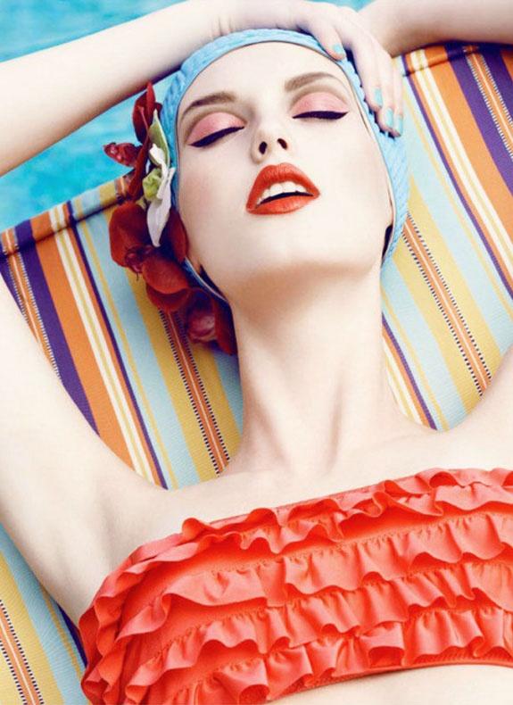 Happy make-up! Batom laranja e olhos marcados com delineador, pode apostar! #maquiagem #batom #makeup