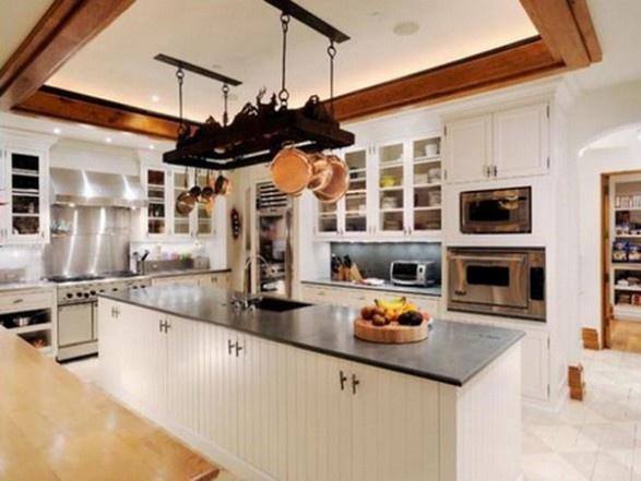 HUGE kitchen with islandHuge Kitchen Islands