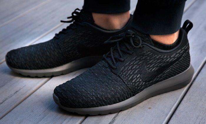 Nike Roshe Run Flyknit Mens Black