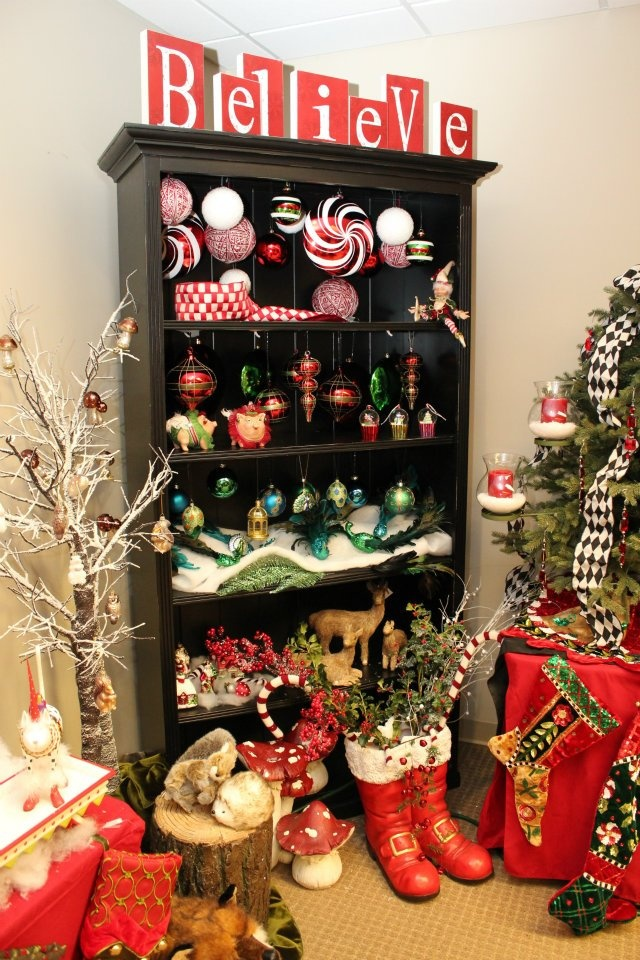 grandin road christmas walk through holiday fun praise. Black Bedroom Furniture Sets. Home Design Ideas