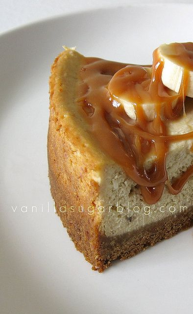 Banana Cheesecake w/ Caramel Rum Sauce. I love Banana Cheesecake http ...