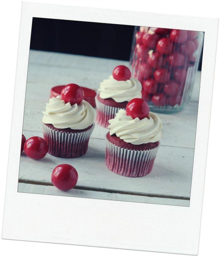 Red velvet Christmas cupcakes. | Food! | Pinterest
