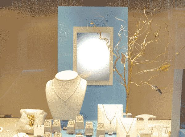 Pin by patricia ford on display pinterest for Jewelry store window displays