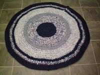Ravelry: Crochet T-Shirt Rug pattern by Elise engh