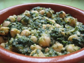 Espinacas con Garbanzos - Spanish typical side dish garbanzo beans ...