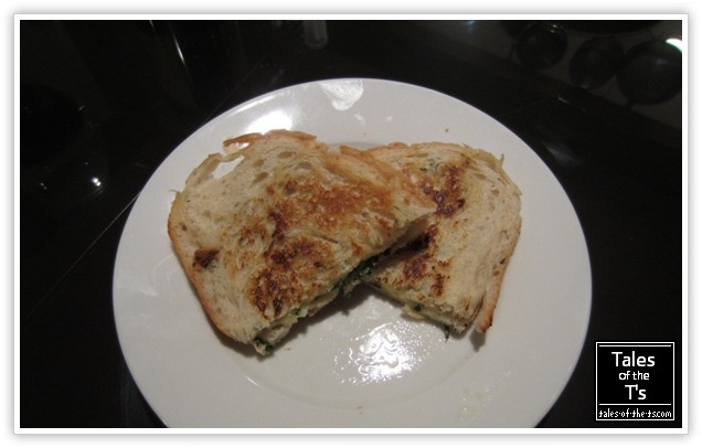 Roasted Garlic Grilled Cheese | Delicious Recipes | Pinterest