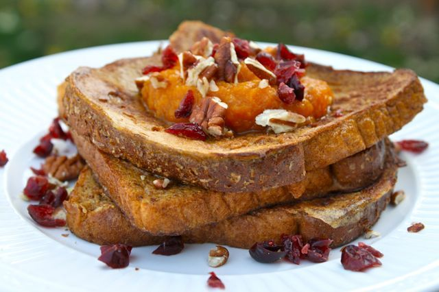 Pumpkin pie french toast | Pumpkin food and drinks | Pinterest