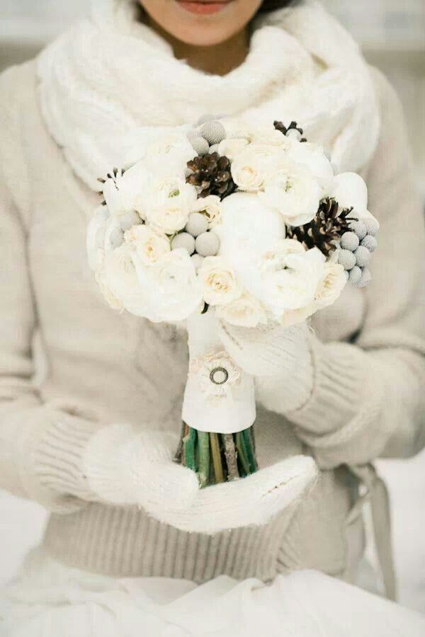 Christmas wedding bouquet fiori