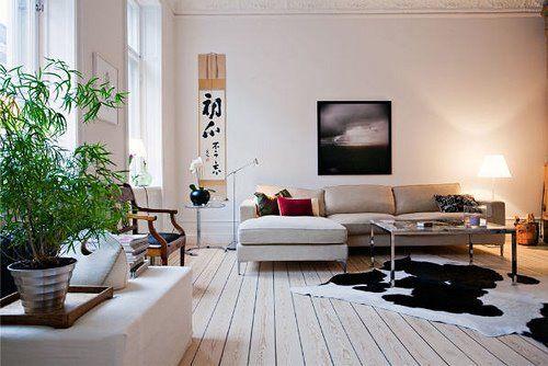 inspiration wohnzimmer einrichten:Swedish flat with white floorboards