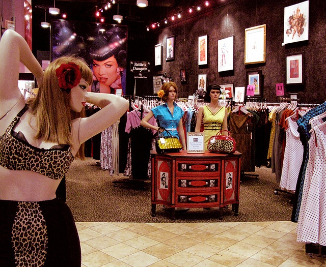 Bettie Page Retro Clothing Store In Las Vegas...need to go